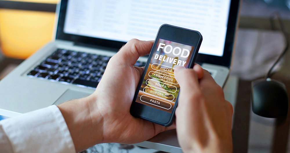 order food on internet, restaurant meals delivery online